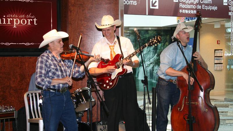 """קונצרטים והופעות בכל השנה, שדה התעופה שבנשוויל, טנסי, ארה""""ב"""