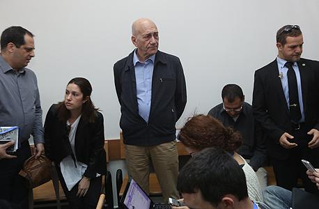 """אהוד אולמרט הבוקר בביהמ""""ש לפני הקראת הכרעת הדין"""