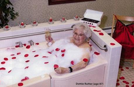 דוטי רוטנר, הדוגמנית הצעירה ביותר בלוח השנה, צילום: Pleasant Pointe Assisted Living