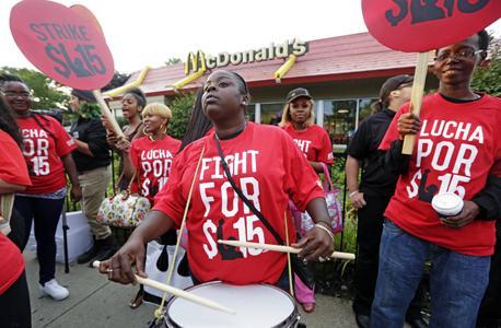 הפגנות הפגנה מקדונלדס מקדונלד'ס שיקגו ארצות הברית, צילום: איי פי
