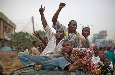 ניצחון למוחמדו בוהארי בבחירות הדמוקרטיות בניגריה , צילום: איי פי