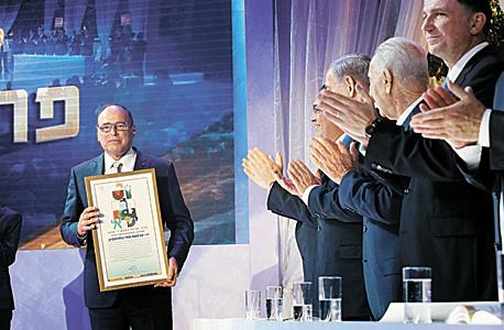 """נאור בטקס קבלת פרס ישראל בשנה שעברה. """"צריך גוף כמו אור ירוק שינשוף למדינה בעורף כל הזמן"""""""