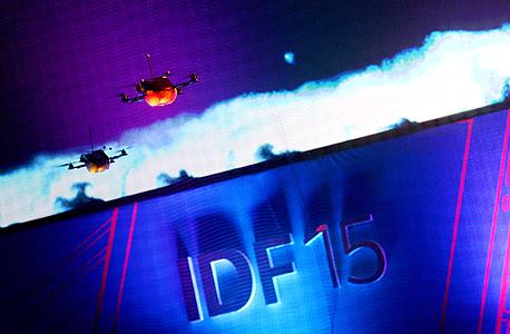 בריאן קרזניץ' אינטל IDF שנז'ן 2015 מצלמת תלת-ממד realsense מזלטים רובוטים, צילום: אינטל