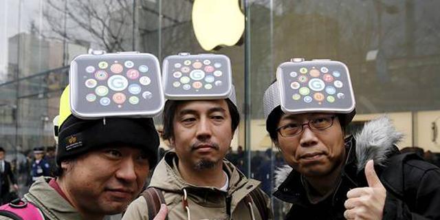 ראש בראש: החלו מכירות האפל ווטש והגלקסי S6