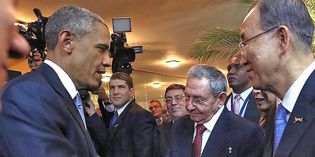 נשיא קובה ראול קסטרו בפגישה עם אובמה, צילום: איי אף פי