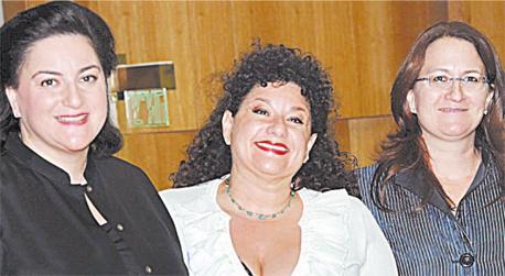 מימין דנה עזריאלי ו שרון עזריאלי ו נעמי עזריאלי, צילום: ישראל הדרי