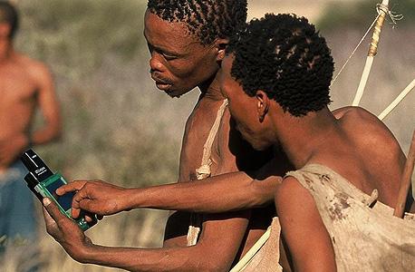 טלפונים חכמים הגיעו גם לחברות שבטיות
