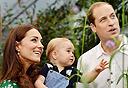בריטניה הזוג המלכותי קייט ו ויליאם ו בנם ג'ורג', צילום: איי.אף.פי
