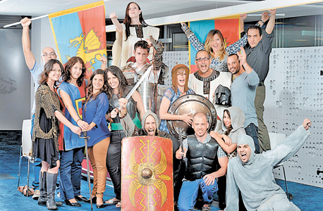 עובדי פלאריום. 800 עובדים בישראל ובאוקראינה