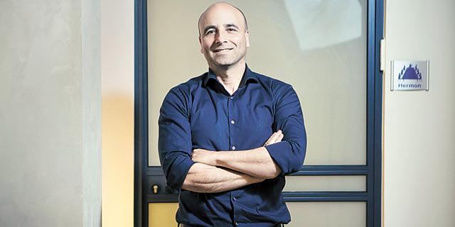 """מייסד ומנכ""""ל קלאריזן אבינועם נובוגרוצקי. ניהול פרויקטים חברתי, צילום: תומי הרפז"""