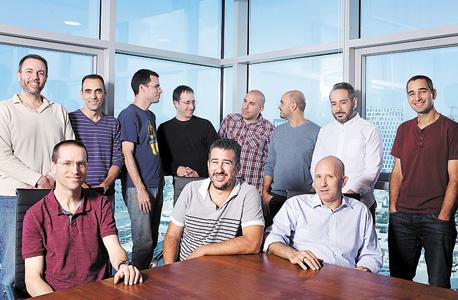 עובדי זרטו. יעד פוטנציאלי לרכישה בידי חברות ממגוון תחומים