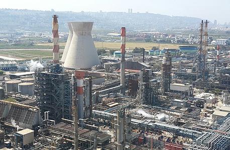 """המפעלים המזהמים בחיפה. """"ריח חריף של חומרים"""""""