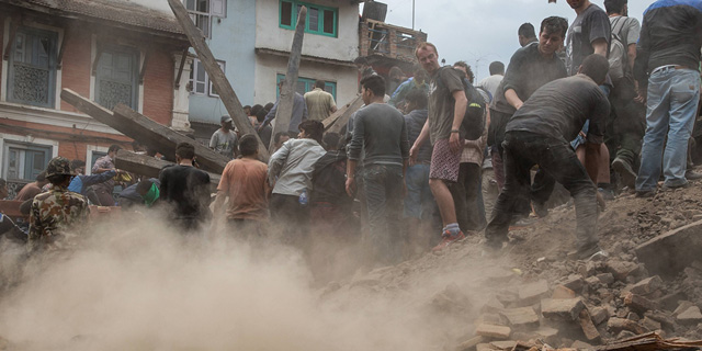 """הרעש שטלטל את נפאל. """"לילה ללא קורת גג"""""""