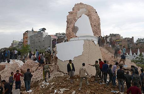 רעש אדמה ב נפאל רעידת אדמה הריסות מגדל דראהארא, צילום: איי אף פי