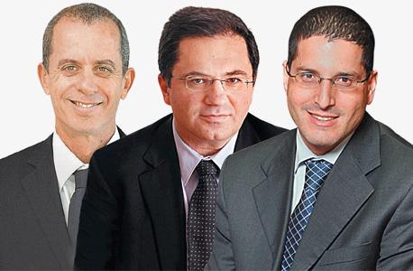מימין: עורכי הדין סיני אליאס, אהרון מיכאלי וגיורא ארדינסט