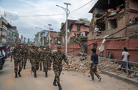 רעש אדמה ב נפאל רעידת אדמה קטמנדו חיילים צבא, צילום: אימג'בנק, Gettyimages