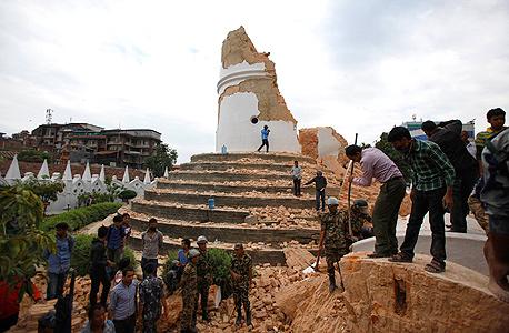 הריסות מגדל דרהרה קטמנדו נפאל רעידת אדמה, צילום: איי פי