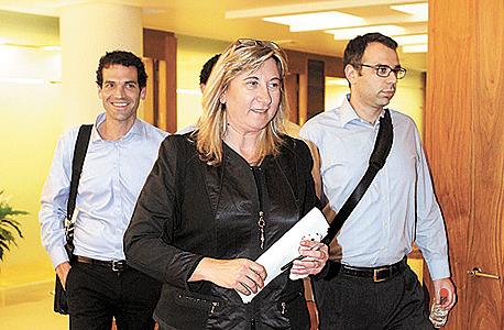 """זהבית כהן, מנכ""""לית אייפקס, ביציאה מפגישה עם בכירי ברייט פוד במו""""מ למכירת תנובה. לסין: """"כשבעל מניות אומר"""