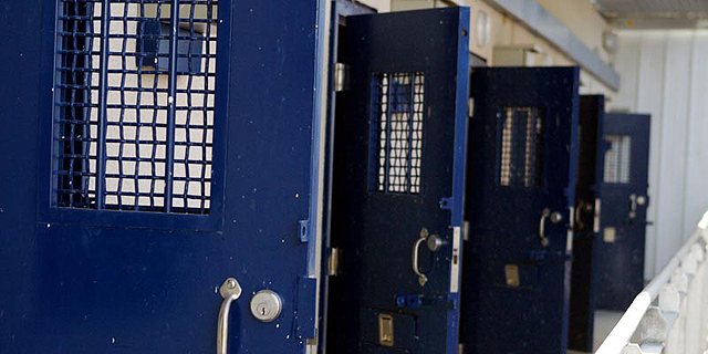 כמה עלה השיפוץ באגף של אולמרט בכלא מעשיהו?