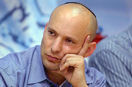 """על הפוליטיקה בישראל: השלטון היום לא שפוי. היחידים שאומרים ביושר את מה שהם חושבים הם הקיצוניים. נפתלי בנט, למשל, אומר את מה שהוא חושב. כל האחרים אומרים את מה שיביא להם יותר קולות"""""""