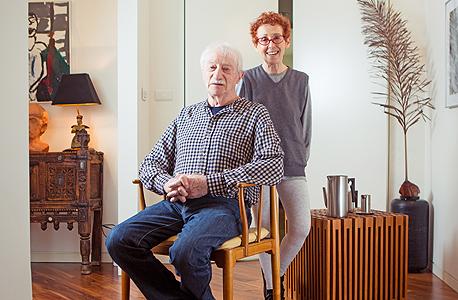 """תמרה וג'ף טולמן, טולמנ'ס: """"העיצוב הישראלי לא הגיע לרמה של העיצוב הסקנדינבי, נשארנו חלשים בפרטים, אבל הוא הביא את העיקרון של חיים טובים בבית. הצניעות שלו הפוכה ממה שיש היום בארץ"""""""
