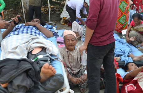 רעידת אדמה שנייה ב נפאל קטמנדו , צילום: אי אף פי