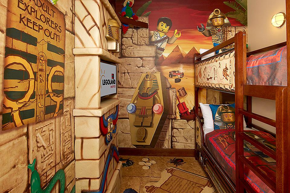 חדר הילדים עם דמויות לגו
