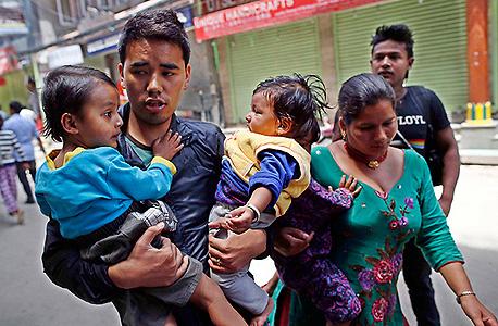 רעידת אדמה שנייה ב נפאל קטמנדו , צילום: אי פי איי