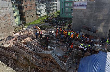רעידת אדמה שנייה ב נפאל קטמנדו , צילום: איי אף פי