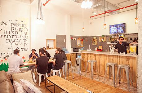 המטבח ב־WeWork בתל אביב. מעולם לא השתמשו בכלי הבישול