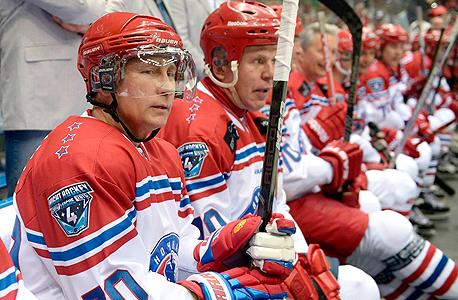 ולדימיר פוטין נשיא רוסיה הוקי, צילום: איי פי