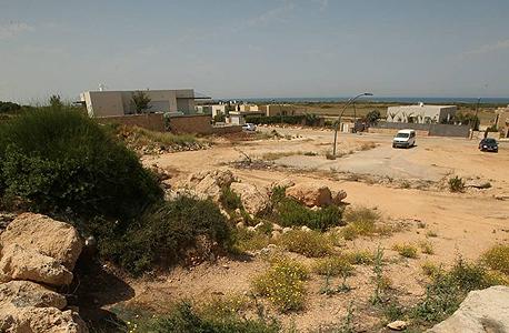 שטח הרחבה במושב, צילום: אלעד גרשגורן