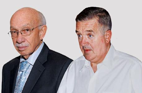 """מימין: יונל כהן, חבר דירקטוריון, ואביגדור קפלן, יו""""ר אלון רבוע כחול. טרם הגיעו לעמק השווה"""