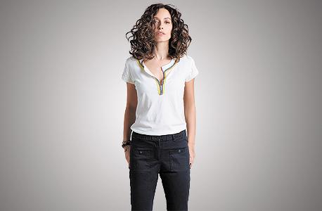 חולצה 319 שקל, מכנסיים 549 שקל. הנחה בשישי, צילום: גיא כושי ויריב פיין