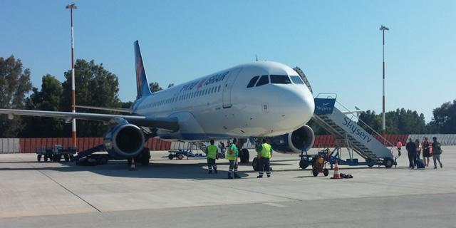 ישראייר וארקיע יפעילו טיסות משדה דב לקפריסין