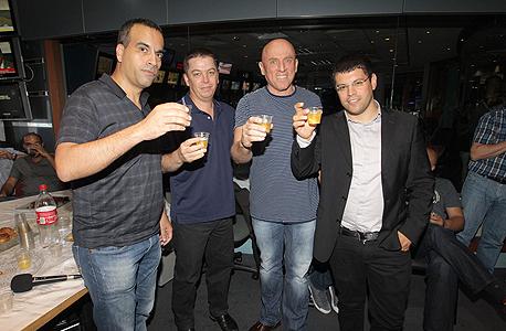 מימין מתן חודורוב, יוסי ורשבסקי, יואב הלדמן וגולן יוכפז, צילום: שוקה כהן