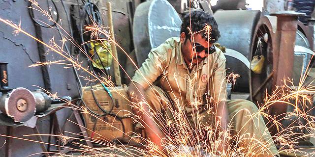 מפעל פלדה בהודו, צילום: בלומברג