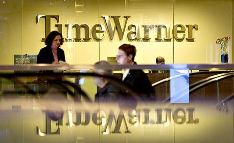 """טיים וורנר. העסקה לרכישת וורנר מיוזיק כונתה """"עוד סימן לרפות השכל של ברונפמן ג'וניור"""""""