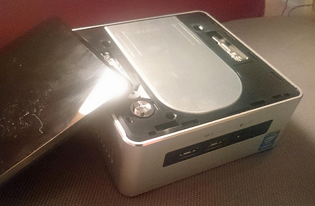 אינטל NUC מחשב זעיר 6, צילום: ניצן סדן