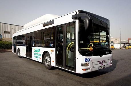 אגד מאן סופרגז אוטובוס מונע בגז טבעי  ב חיפה , צילום: שוקה כהן