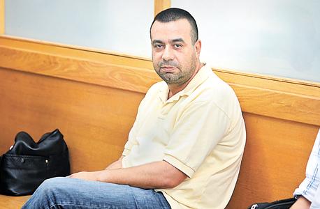 """שלומי שני מובא להארכת מעצר, יולי 2011. """"העילה לחקירה היתה הקשר שלי עם שלומי. הלכתי אליו כי הוא היה חבר, אבל גם איש מקצוע"""""""