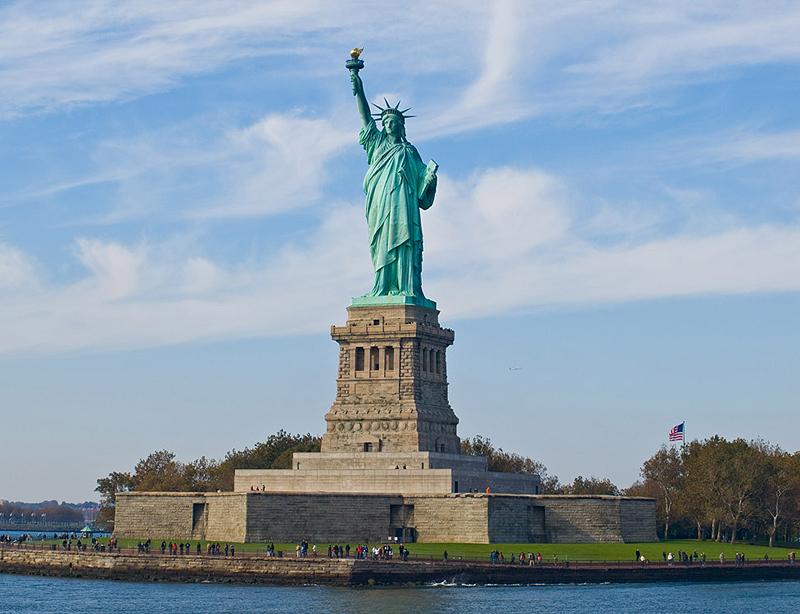 פסל החירות. חשוף לסופות