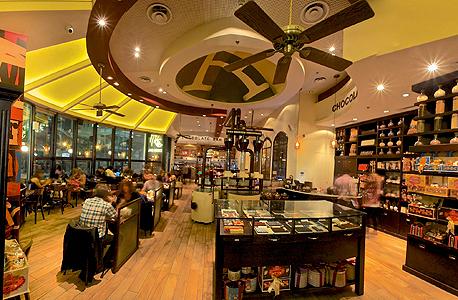 סניף של מקס ברנר ב שדרות רוטשילד ב תל אביב מסעדות, צילום: דרור כץ