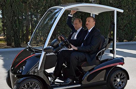 משמאל ולדימיר פוטין אילהאם אליאב ב באקו, צילום: אי פי איי