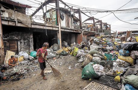 בהפילנד, שכונה במזבלת ענק במנילה, הפיליפינים, 2013, צילום: רותי אלון