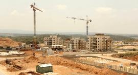 אתר בנייה ב חריש, צילום: אלעד גרשגורן