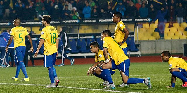 שחקני נבחרת ברזיל. לא תבוסה 7-1 אבל הפסד לא קל לפרגוואי, צילום: רויטרס