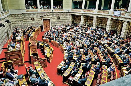 הדיון על משאל העם בפרלמנט היווני