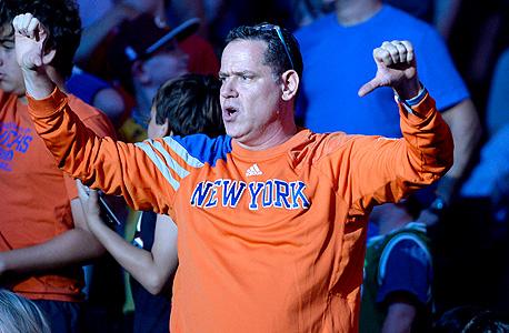 אוהד ניו יורק ניקס. הקבוצה במקום הראשון מבחינת שווי
