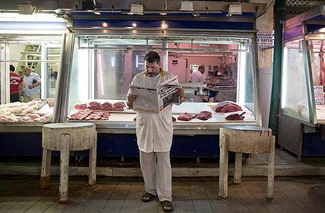 קצב בשוק של אתונה ממתין לקונים